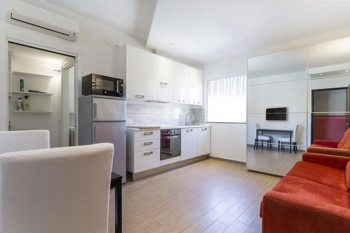 Nice studio in Milan city center (Porta Venezia)!