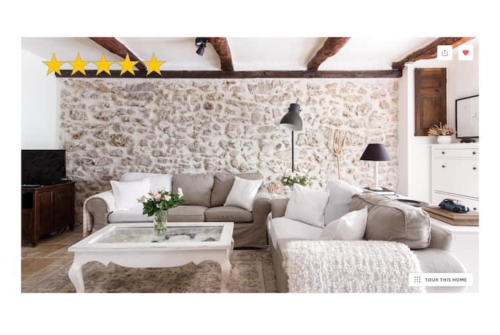 Provence~Romantic Cottage~Walk to Village & Lake~