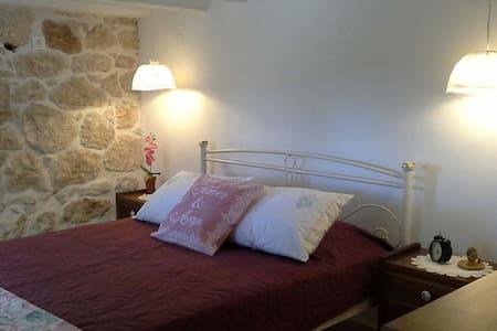 Two bedroom cozy stone house - Geliniatika