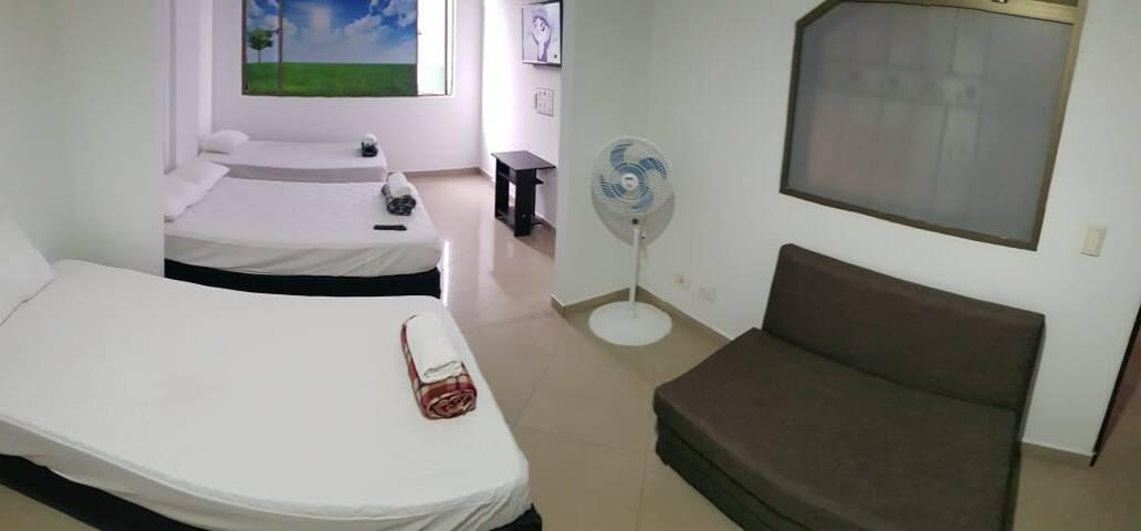 Apartamento amoblado Laureles 501 frente Unicentro