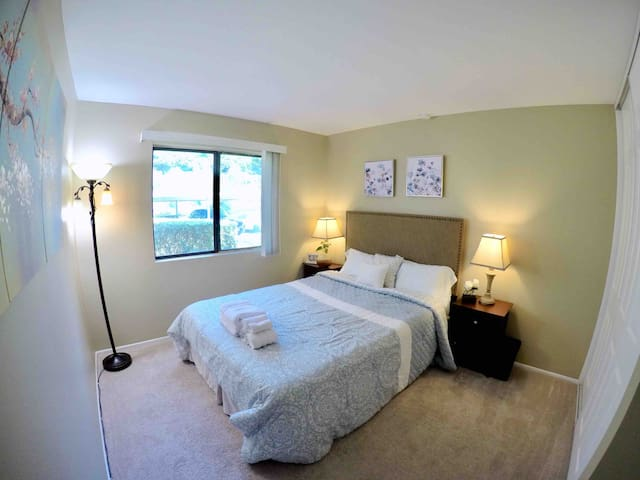 Cozy bedroom just for you at orange county Disney