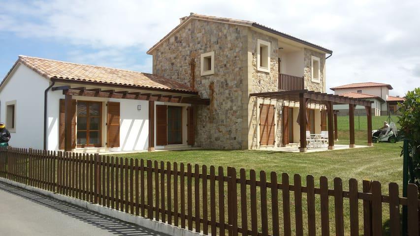 Chalet en urbanización privada, Ribamontan al Mar - Castanedo - Hus