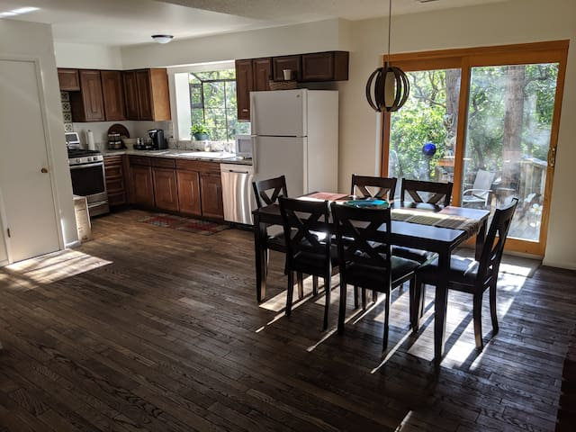 NEW LISTING! Perfect location in the pines