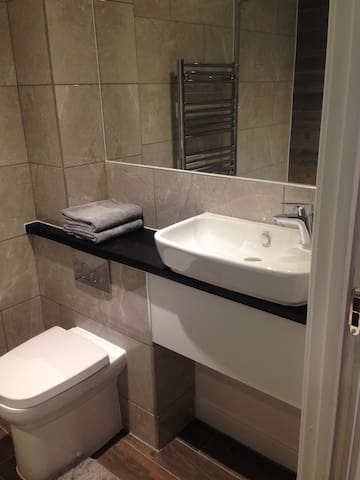 Beautiful modern studio city centre apartment - Sheffield - Apartment