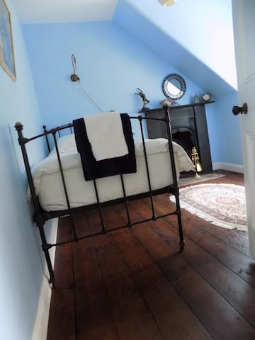 Cosy and Characterful Loft Room in Victorian Home
