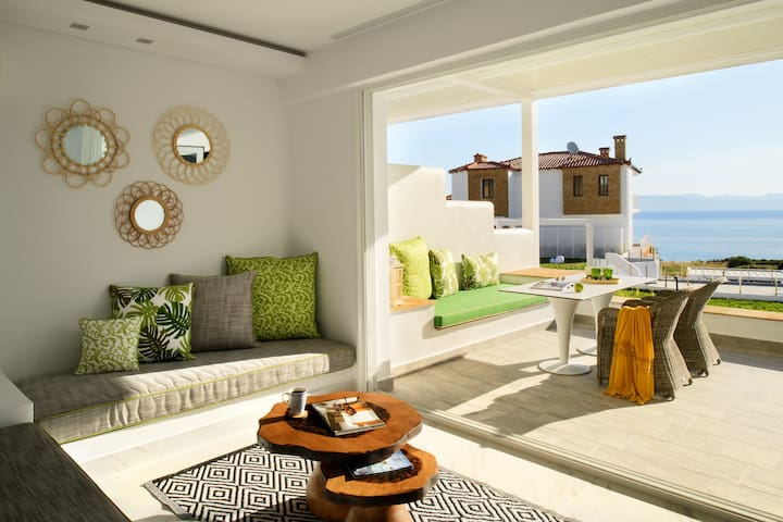 Junior Suite Sea View [Villa D'Oro]