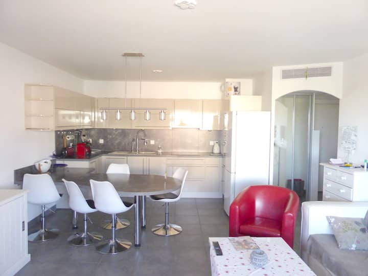 Apartment with 2 bedrooms in La Seyne-sur-Mer, with furnished terrace and WiFi - 3 km from the beach