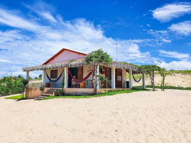 Tatajuba 2 QTS - 1 quadra/praia - Down Wind House