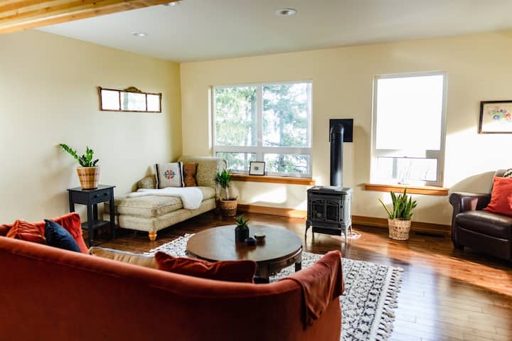 Suite with a View- Private Balcony- Pet Friendly