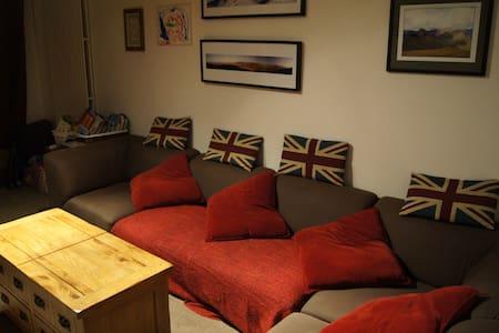 PRICE DROP: 2 bed home in Surbiton - Surbiton - House