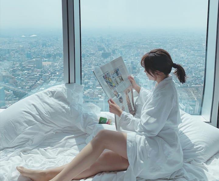 【风笙】全景拍照天际线/玻璃吊球网红民宿/270℃大飘窗观景/俯瞰整个成都/楼下就是太古里/春熙路