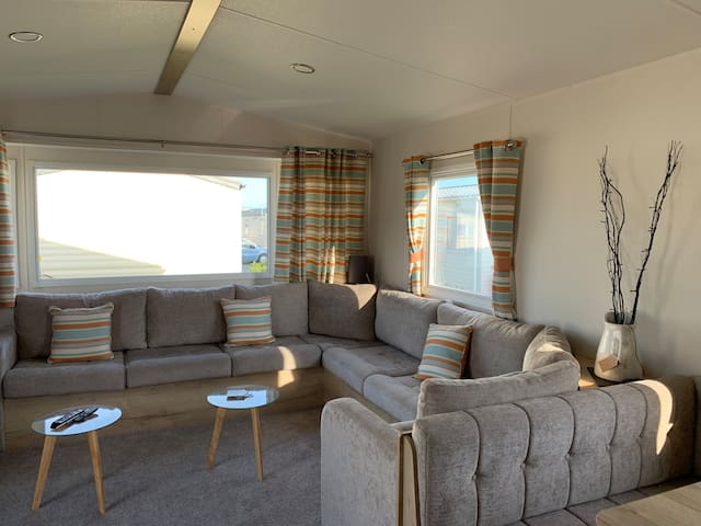 3 bedroom caravan in Trecco Bay