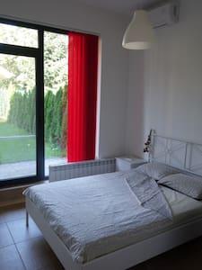 Room with a garden - Sofia - Apartmen