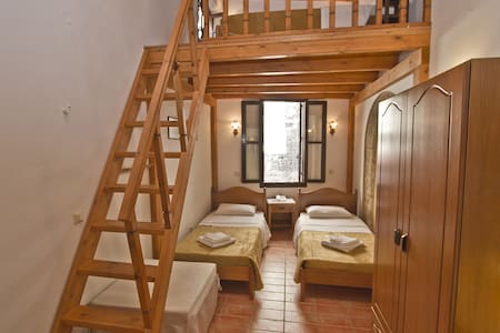 Family Suite in medieval town of Rhodes - Rodi