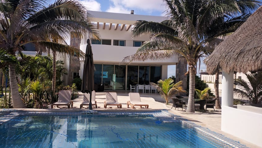 Modern and well Equipped Beach Residence - Chicxulub Puerto - Casa