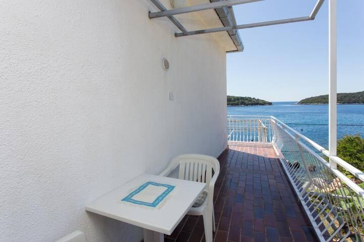House Rašica - Double Room with Balcony and Sea View