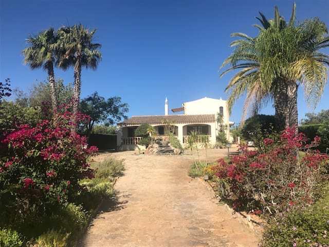 Portugese sfeervolle villa nabij Olhão