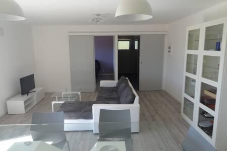 Appartement T2, 50m2,bas de villa - Saint-Maximin-la-Sainte-Baume - Apartment