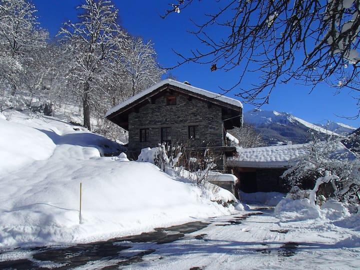 Appartement dans maison de village proche  Rosière