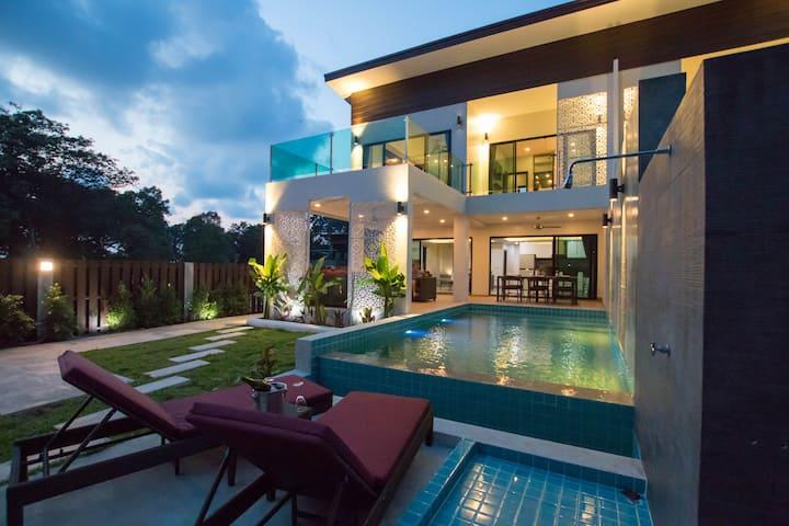 The Elegance Pool Villas- Lotus Villa