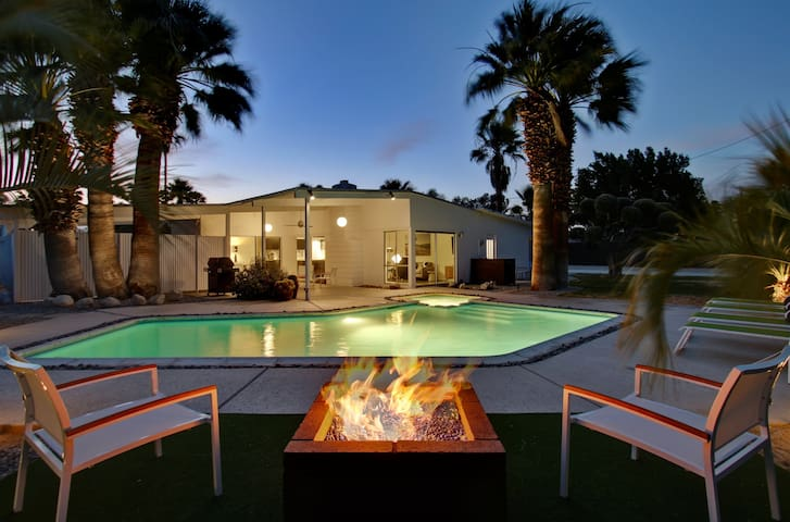 Willow Run True Mid Century Modern Palm Springs Houses For Rent In Palm Springs California
