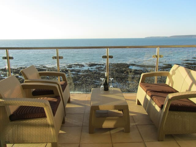 Luxury Seaside Apartment - Westward Ho! - Daire