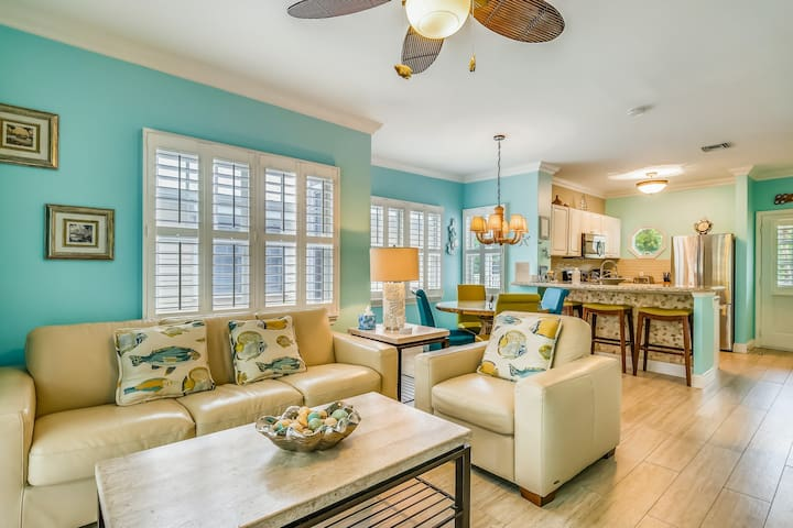 Tropical oasis near all of the action w/ central AC, private balcony, & more
