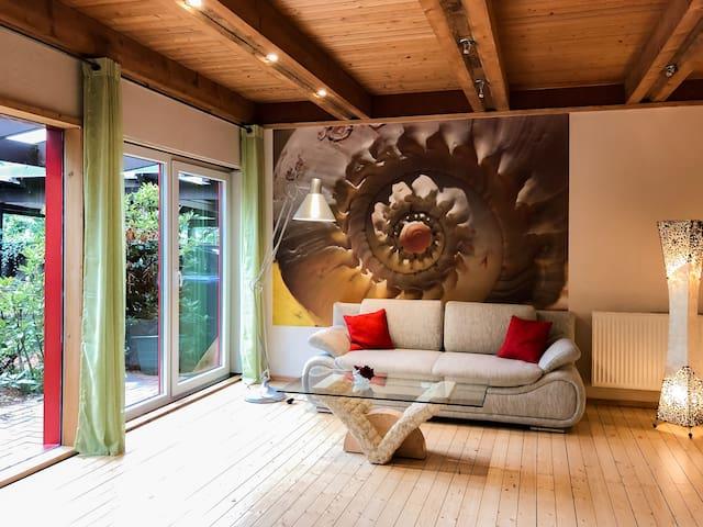 Frisch renoviertes Zimmer im Holzhaus