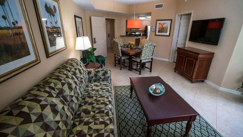 Golfer's Paradise: 1BR Suite at Mizner Place