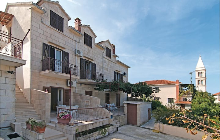 Beautiful home in Supetar with WiFi and 2 Bedrooms