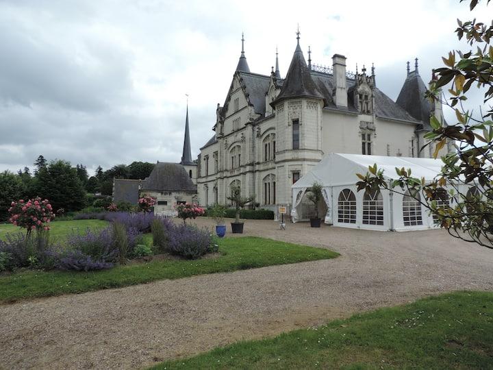 chambre orientaliste avec terrasse au château