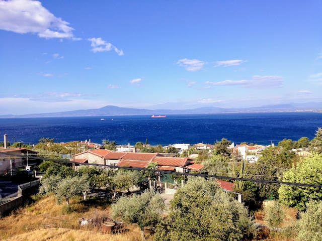 The sea is only 300 meters from the house!