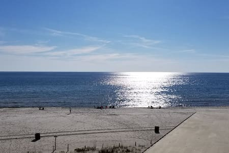 West PCB Getaway at Pinnacle Port