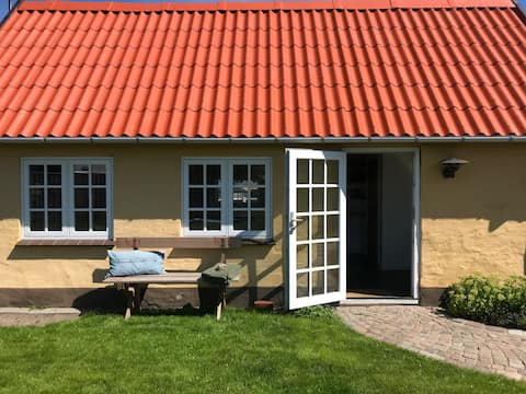 Guesthouse in walking distance to shops and beach