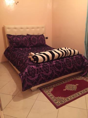 #2 Great apartment 5 beds 2 baths close to Medina