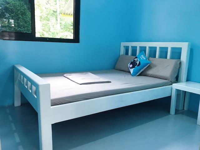 1.38m bed 15mins to alona beach on foot 15分钟到阿罗那海滩