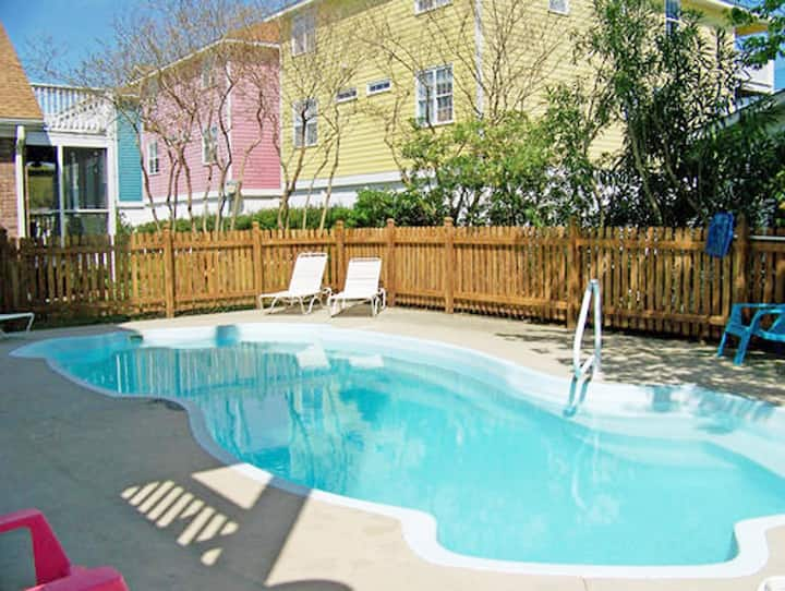 Zepka-Enjoy the beach by day and the pool by night in this premier townhouse