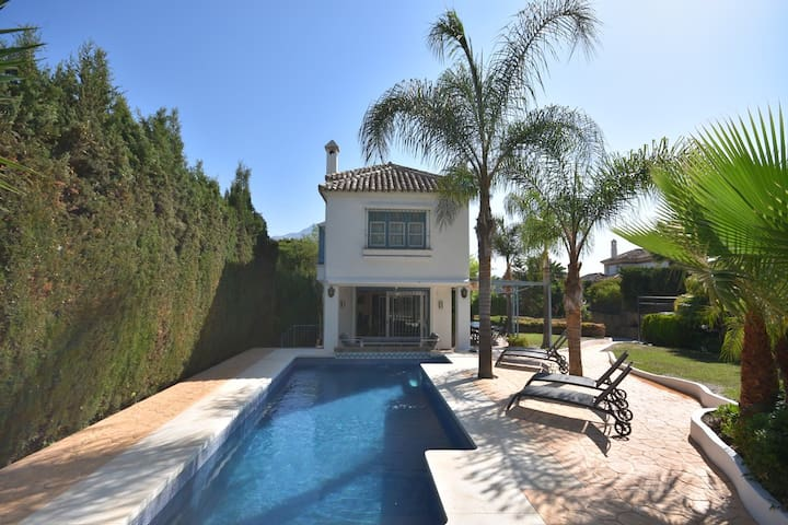 Villa Serenity, luxury villa close to Puerto Banus