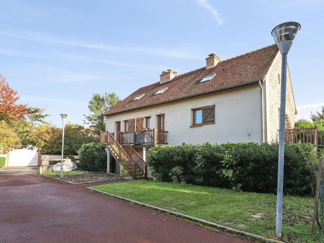 Charming flat with parking close to Disneyland Paris, in Serris - Welkeys