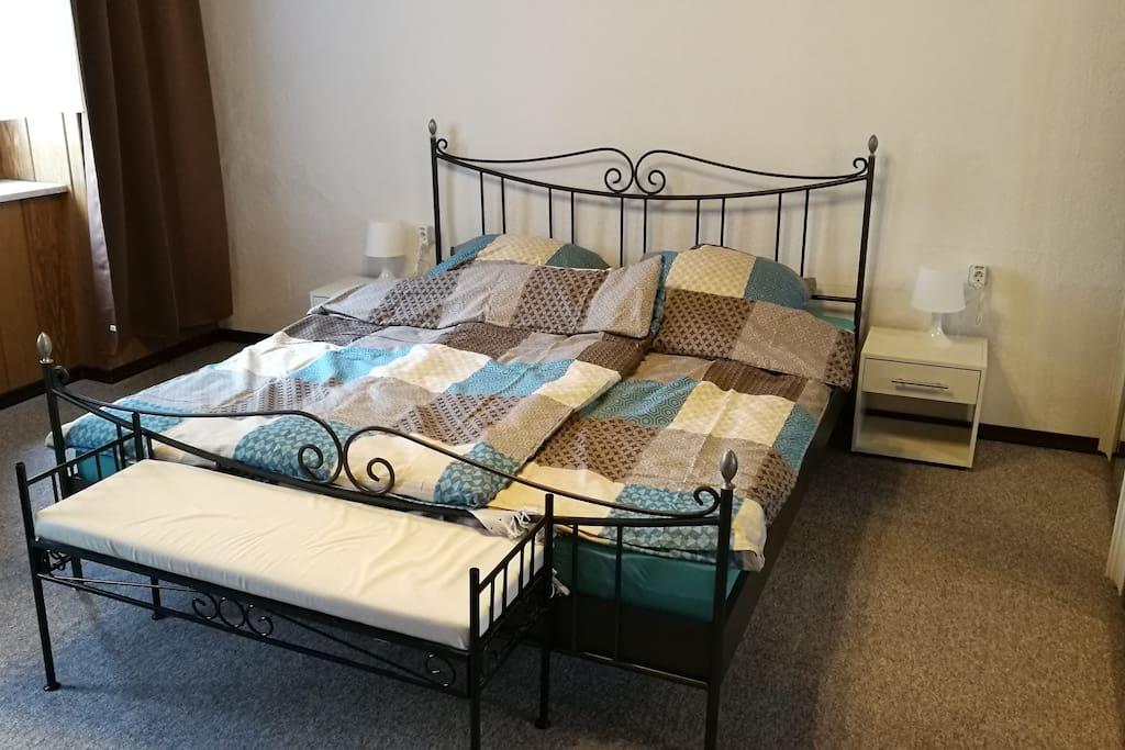 gro e wohnung 3 zimmer in regensburg altstadt wohnungen zur miete in regensburg bayern. Black Bedroom Furniture Sets. Home Design Ideas