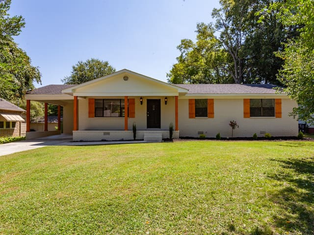 Cozy home in historic Five Points - near downtown!