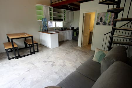 Beautiful & cozy loft apartment 2 / free breakfast - Tola - Appartement