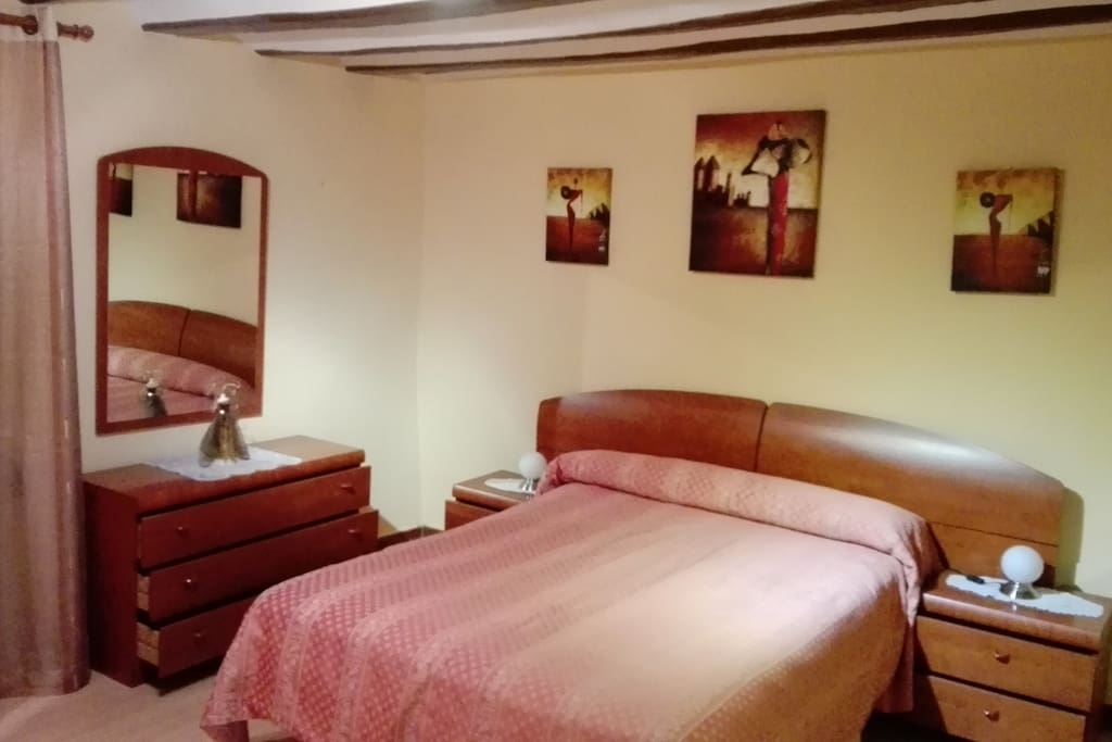 Casa acojedora en el corazon de la rioja alta casas en for Alojamiento en la rioja espana