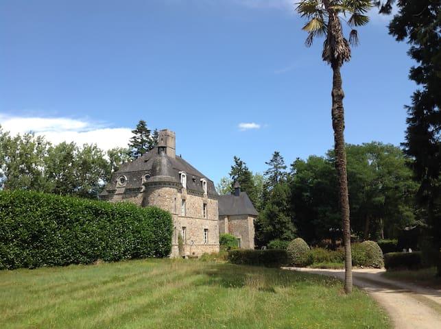 Château de Léauville, Grand charme 17è-18è siècles