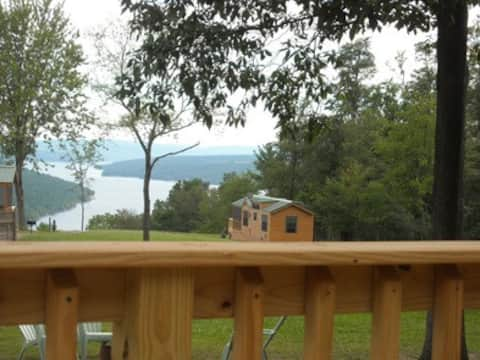 Bluff Point of View Chalet Rentals, Wines & Vines