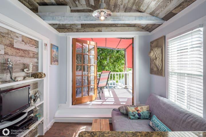 Mermaid Cove-Funky Getaway on Duval - Key West - Dom