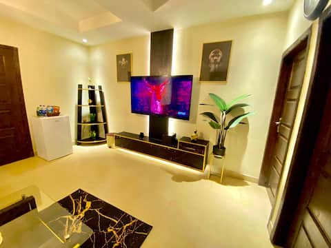 Luxe Classic Gold tema 1B 65 tum TV Netflix-Wifi-101