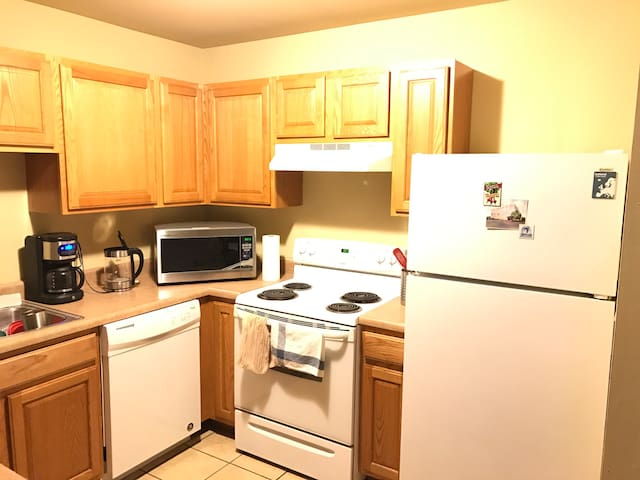 Comfortable, wifi, close to I-44! - Saint Clair - Apartamento