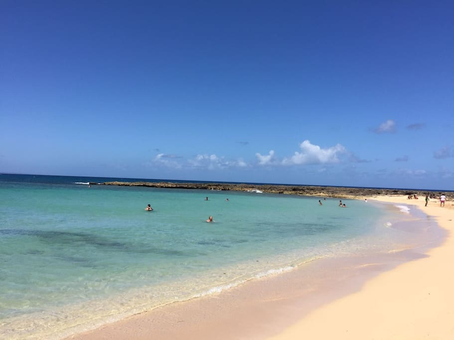 Main Beach (Less than 5 minutes walking) - Playa principal del Pueblo a menos de 5 minutos caminando.
