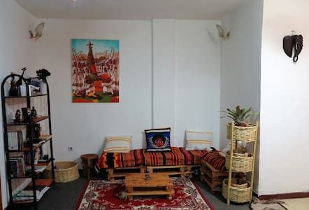 Simple space, near to the Airport. - Addis Ababa - Apartment
